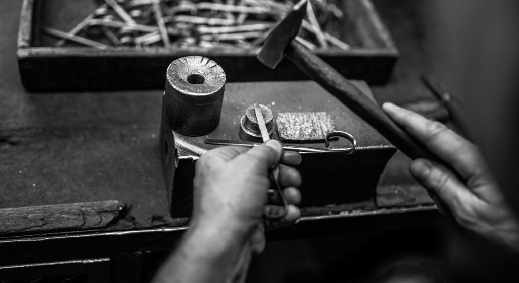 Jakie nożyczki wybrać na prezent? Nasze rzemiosło doskonalimy od 1981 roku.